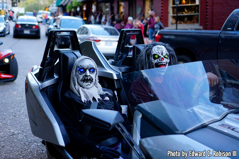Nightmares in parking in Eureka Springs